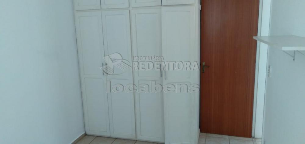 Comprar Apartamento / Padrão em São José do Rio Preto R$ 180.000,00 - Foto 4