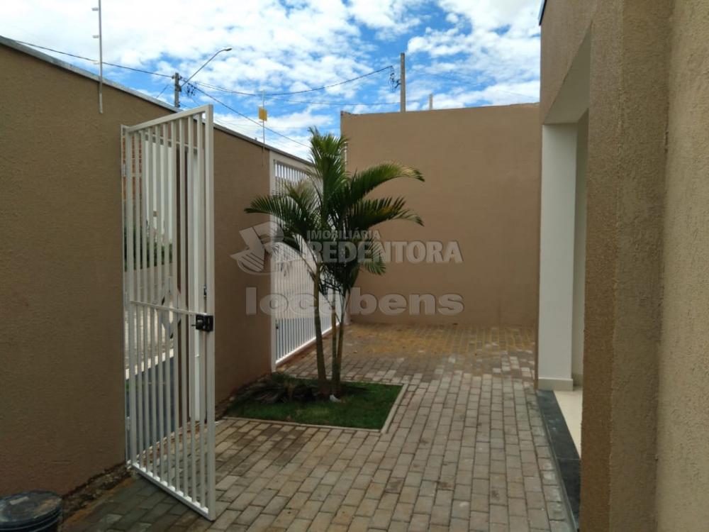 Comprar Casa / Padrão em São José do Rio Preto R$ 275.000,00 - Foto 1