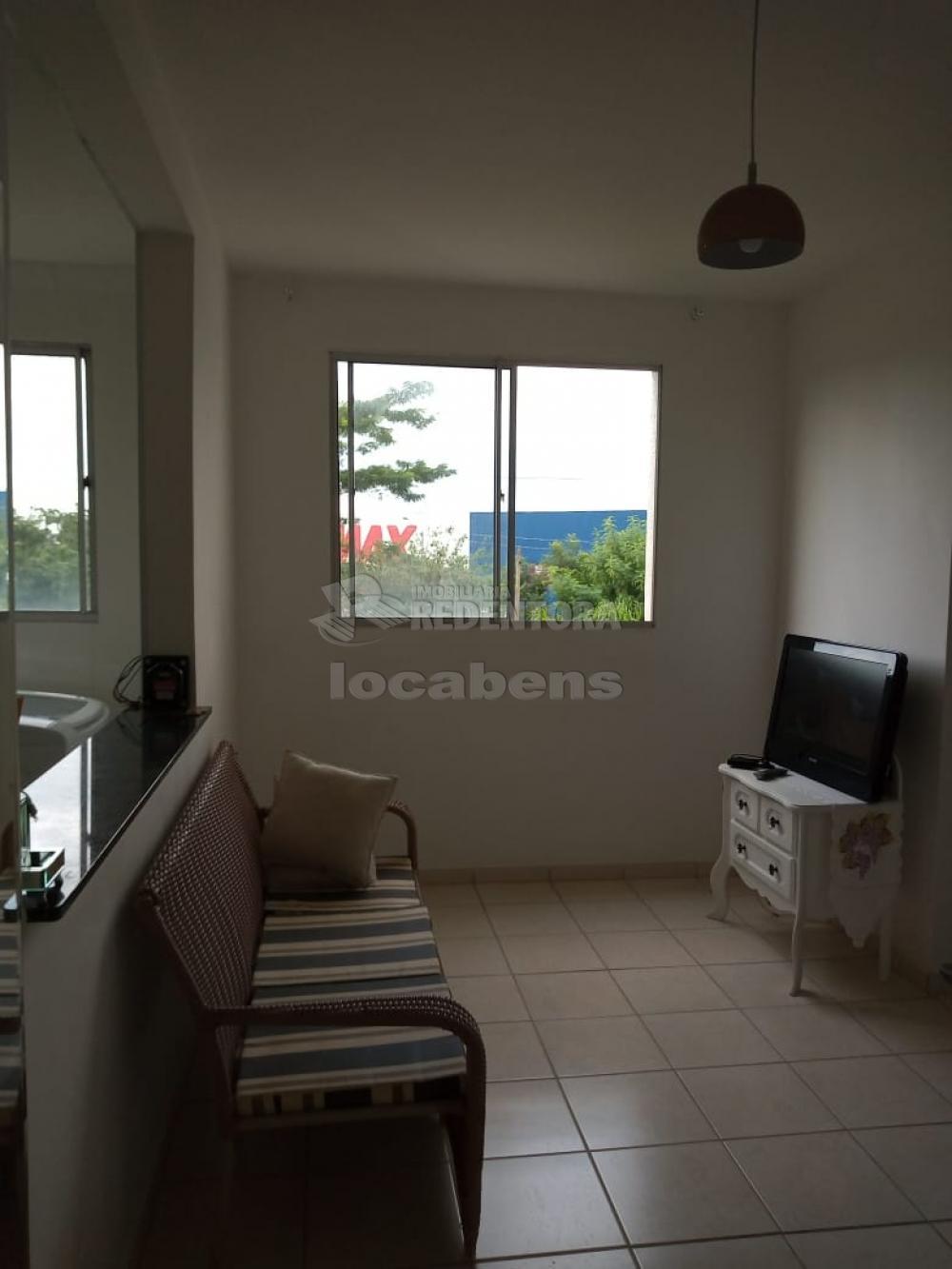 Comprar Apartamento / Padrão em São José do Rio Preto R$ 165.000,00 - Foto 1