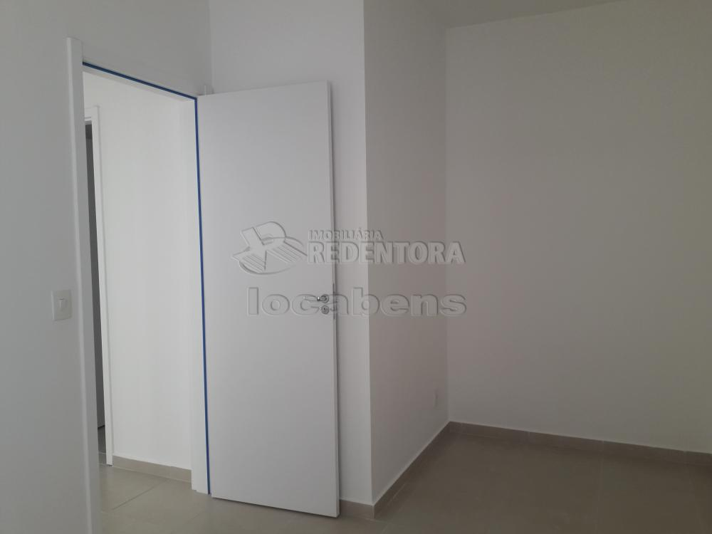 Alugar Apartamento / Padrão em São José do Rio Preto R$ 1.000,00 - Foto 8