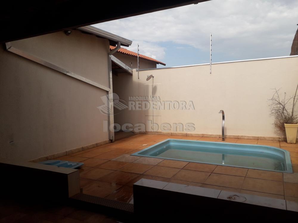 Comprar Casa / Padrão em São José do Rio Preto R$ 240.000,00 - Foto 1
