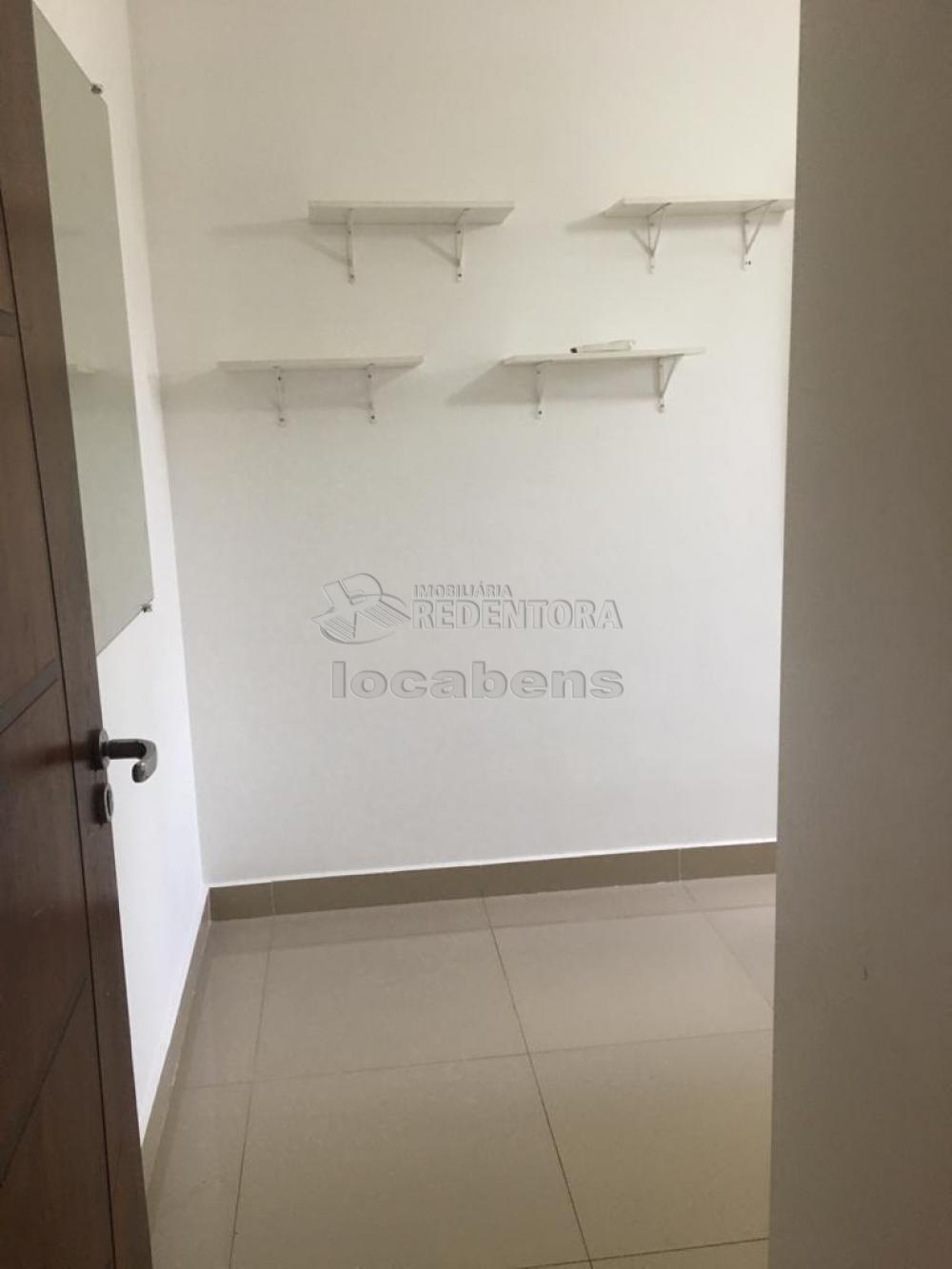 Alugar Casa / Condomínio em São José do Rio Preto R$ 1.400,00 - Foto 17
