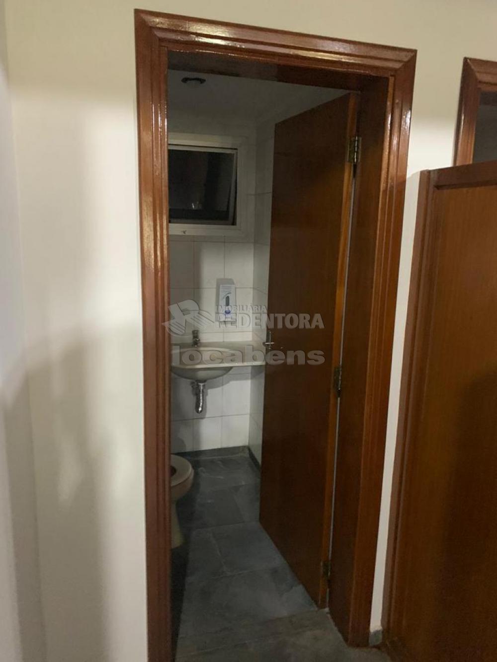 Comprar Comercial / Sala em São José do Rio Preto R$ 450.000,00 - Foto 5