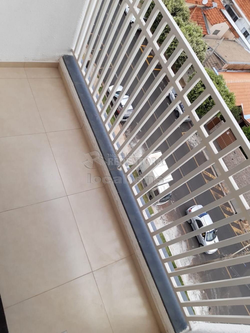 Alugar Apartamento / Padrão em São José do Rio Preto R$ 1.100,00 - Foto 3