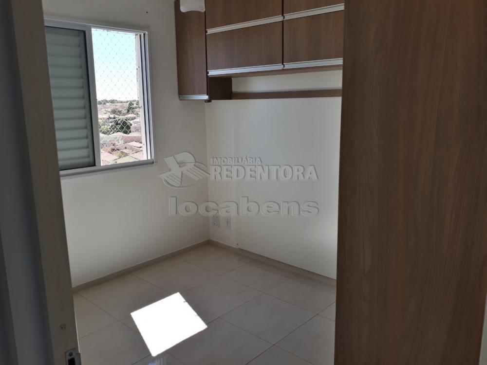 Alugar Apartamento / Padrão em São José do Rio Preto R$ 900,00 - Foto 3