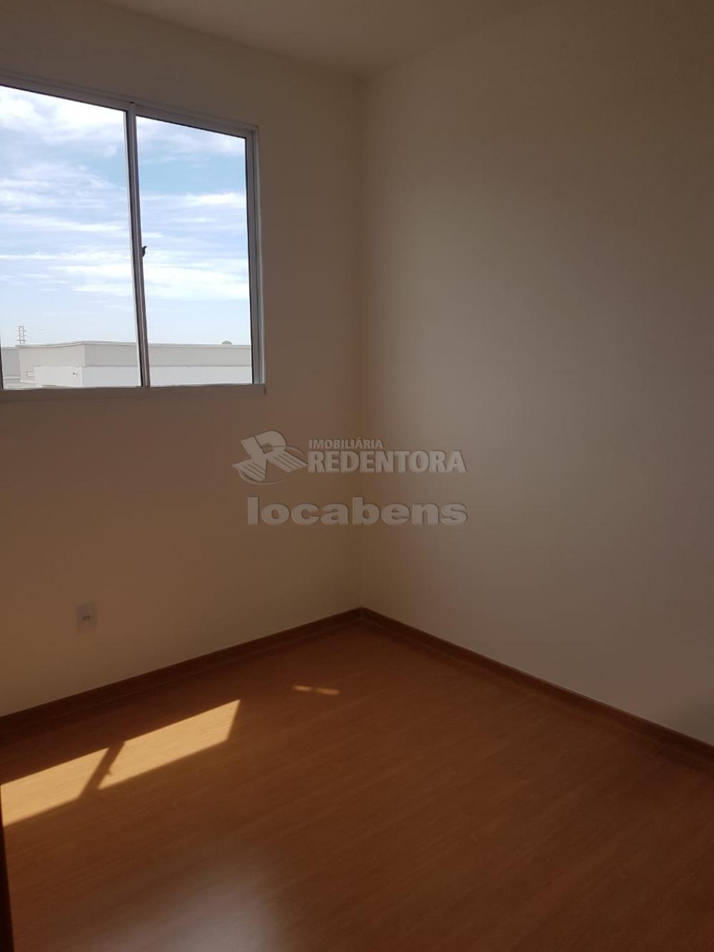 Alugar Apartamento / Padrão em São José do Rio Preto R$ 600,00 - Foto 5
