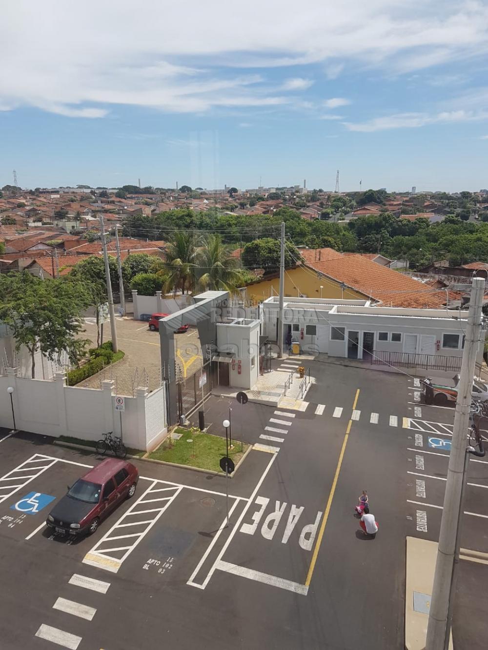 Alugar Apartamento / Padrão em São José do Rio Preto R$ 600,00 - Foto 2