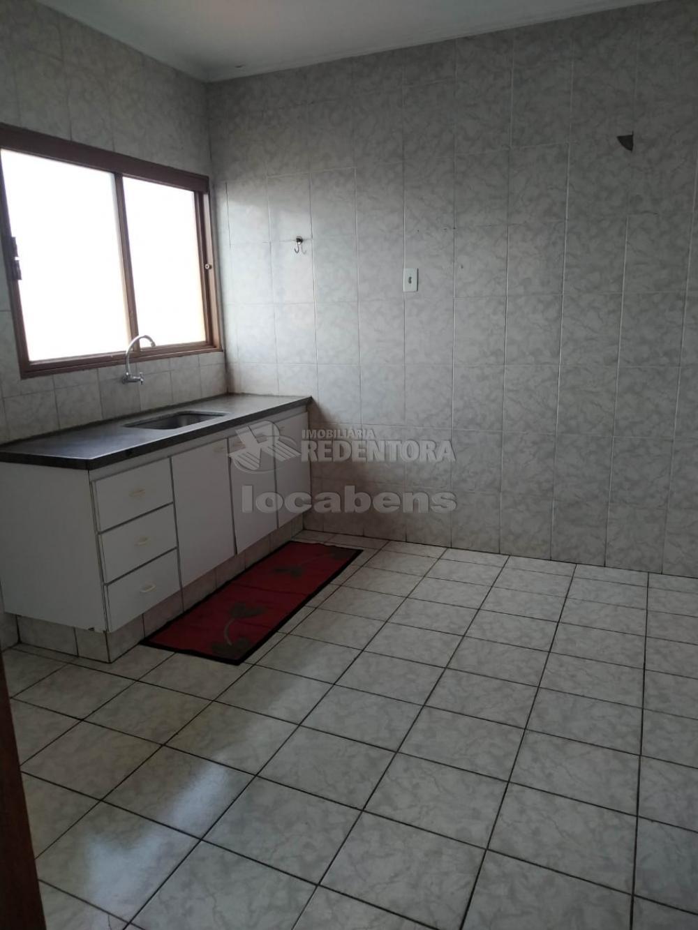 Comprar Apartamento / Padrão em São José do Rio Preto R$ 165.000,00 - Foto 4