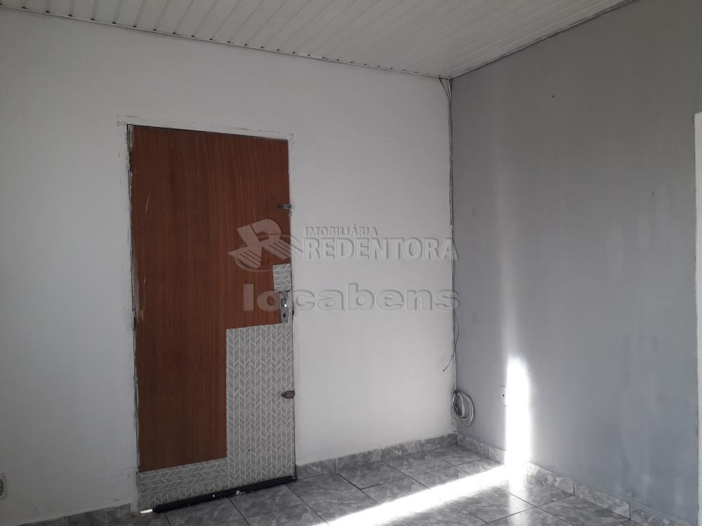 Comprar Casa / Padrão em São José do Rio Preto R$ 120.000,00 - Foto 2