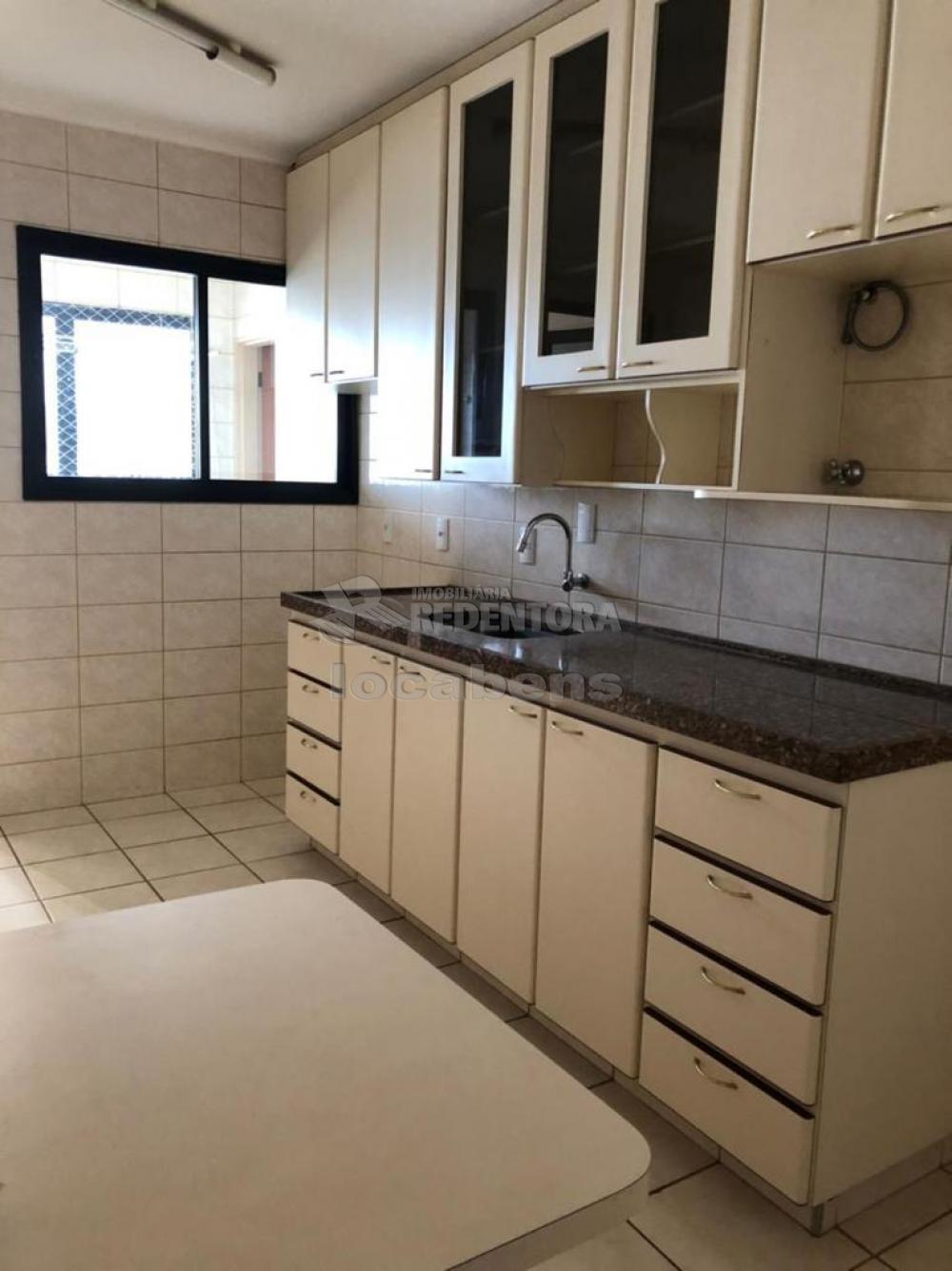 Comprar Apartamento / Padrão em São José do Rio Preto R$ 450.000,00 - Foto 5