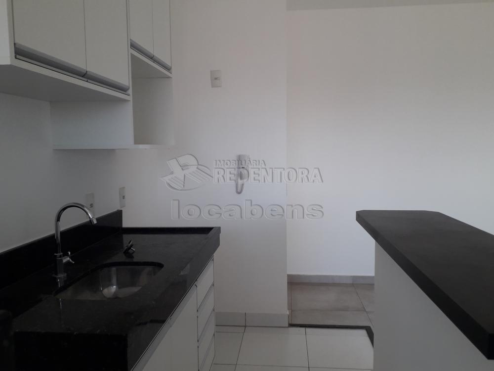 Alugar Apartamento / Padrão em São José do Rio Preto R$ 1.300,00 - Foto 7