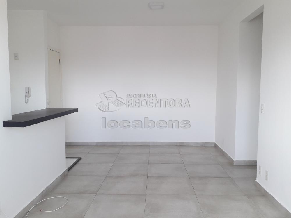 Alugar Apartamento / Padrão em São José do Rio Preto R$ 1.300,00 - Foto 3