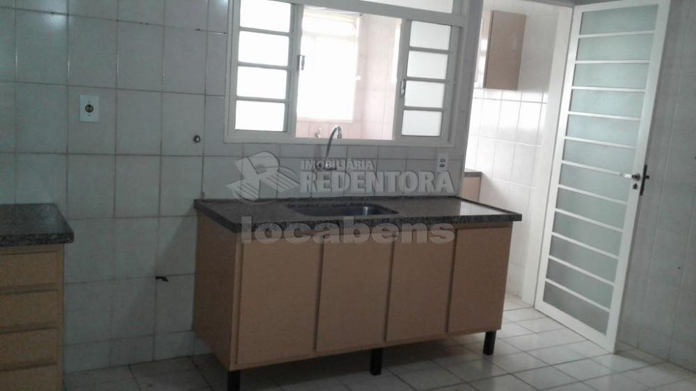 Comprar Apartamento / Padrão em São José do Rio Preto R$ 250.000,00 - Foto 14