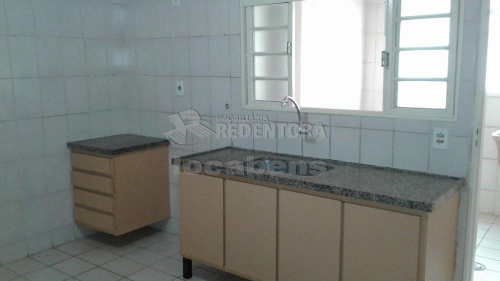 Comprar Apartamento / Padrão em São José do Rio Preto R$ 250.000,00 - Foto 16