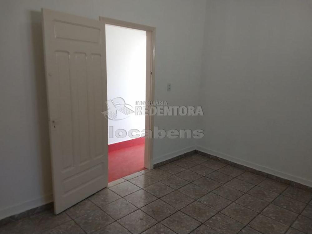 Alugar Comercial / Sala em São José do Rio Preto R$ 1.350,00 - Foto 6
