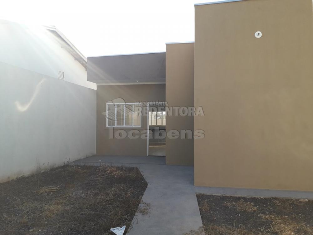 Comprar Casa / Padrão em São José do Rio Preto R$ 250.000,00 - Foto 2