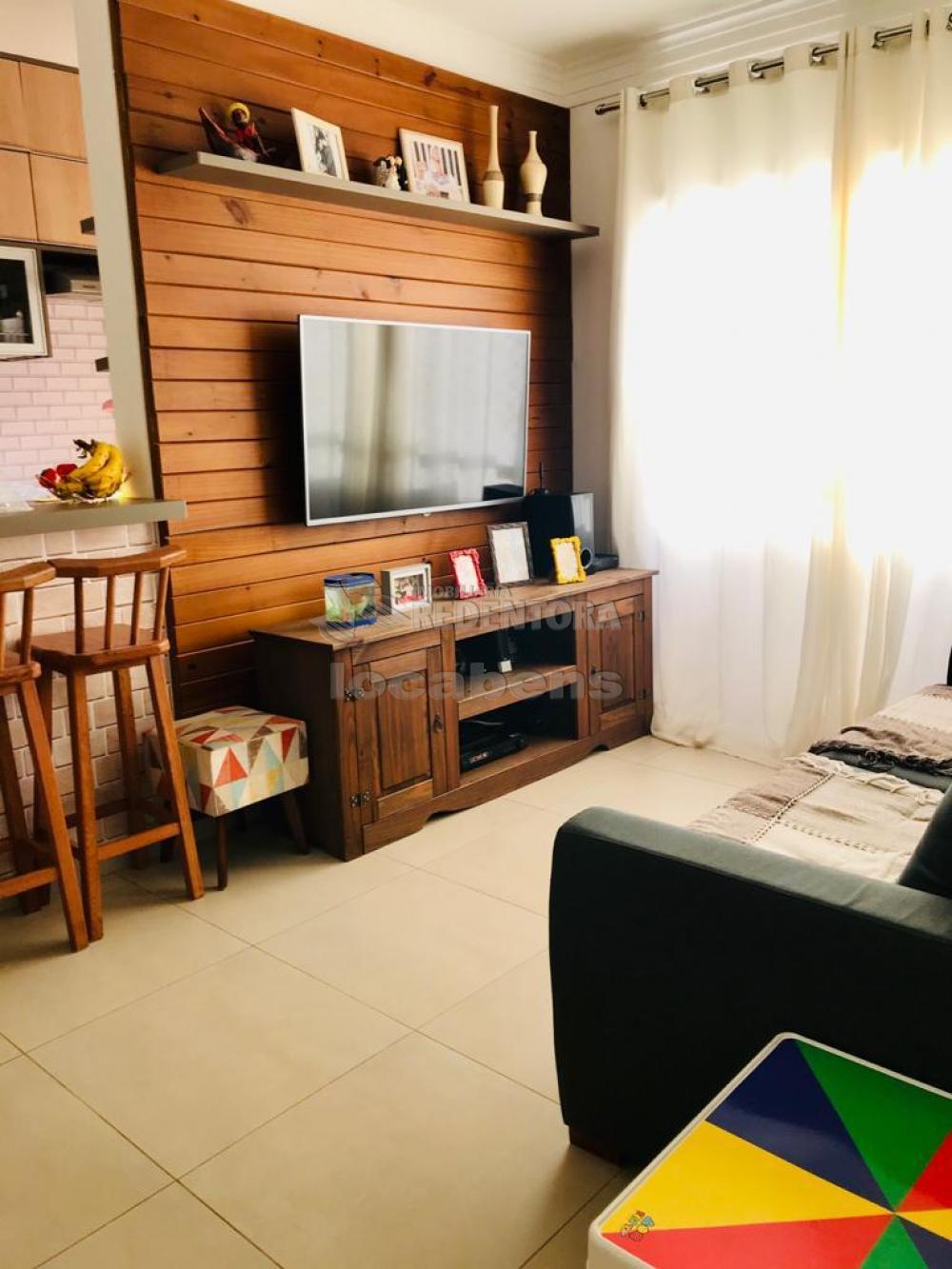 Comprar Apartamento / Padrão em São José do Rio Preto R$ 360.000,00 - Foto 3