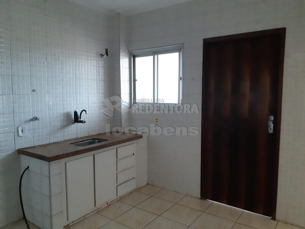 Comprar Apartamento / Padrão em São José do Rio Preto R$ 240.000,00 - Foto 9