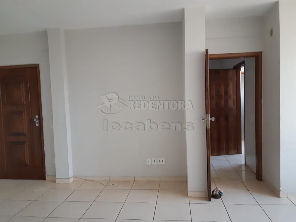 Comprar Apartamento / Padrão em São José do Rio Preto R$ 240.000,00 - Foto 5