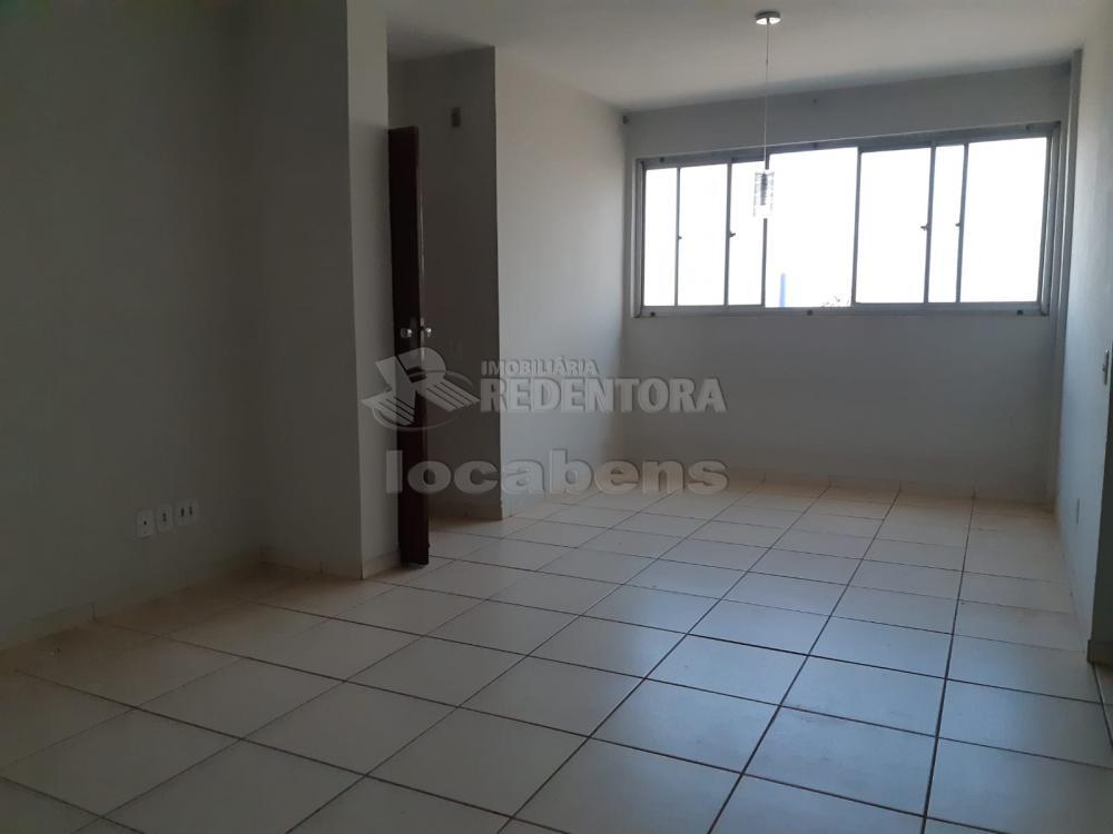 Comprar Apartamento / Padrão em São José do Rio Preto R$ 240.000,00 - Foto 2