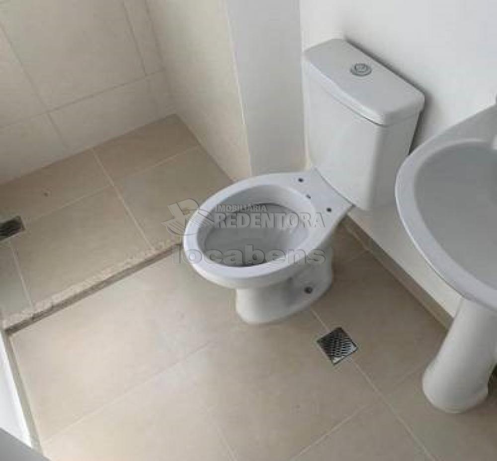 Comprar Apartamento / Padrão em São José do Rio Preto R$ 240.000,00 - Foto 8