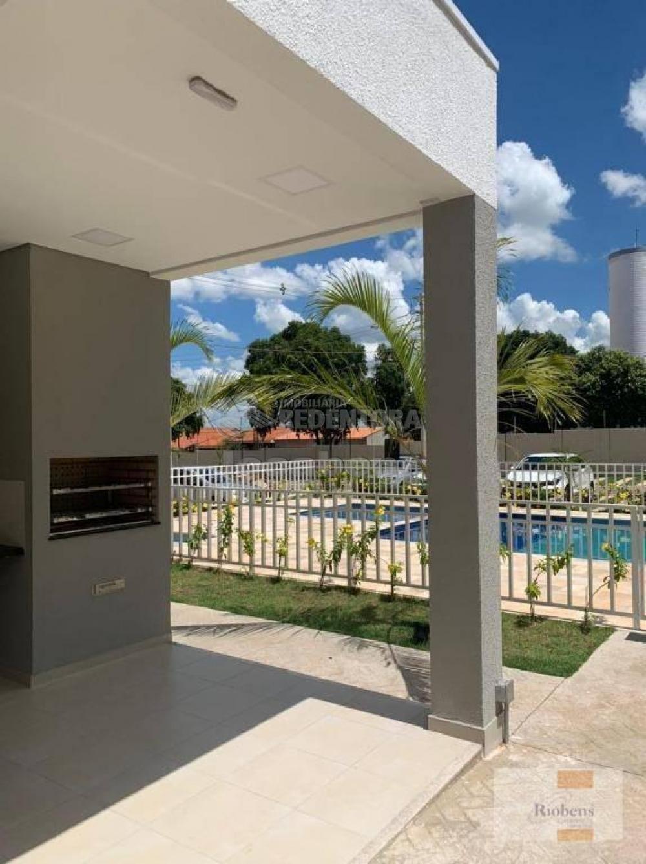 Comprar Apartamento / Padrão em São José do Rio Preto R$ 240.000,00 - Foto 3
