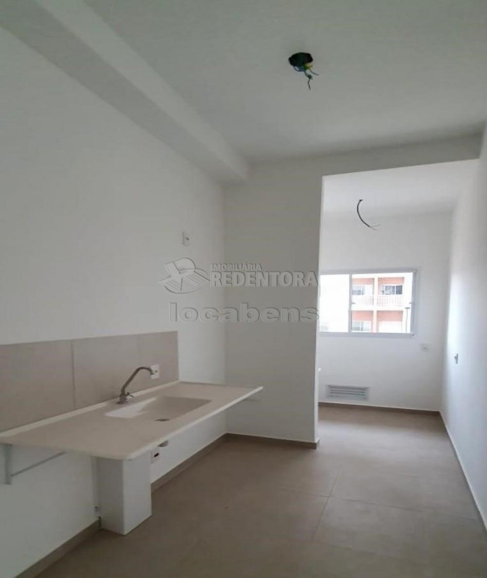Comprar Apartamento / Padrão em São José do Rio Preto R$ 240.000,00 - Foto 13