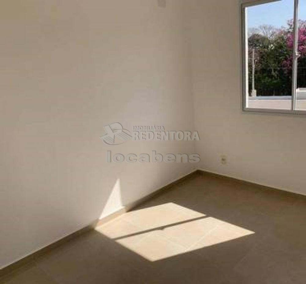 Comprar Apartamento / Padrão em São José do Rio Preto R$ 240.000,00 - Foto 16