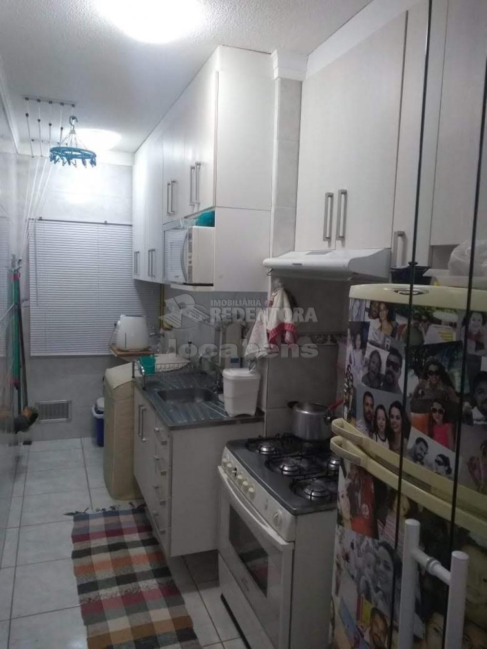 Comprar Apartamento / Padrão em São José do Rio Preto R$ 215.000,00 - Foto 2