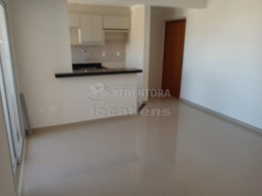 Comprar Apartamento / Padrão em São José do Rio Preto R$ 309.000,00 - Foto 2