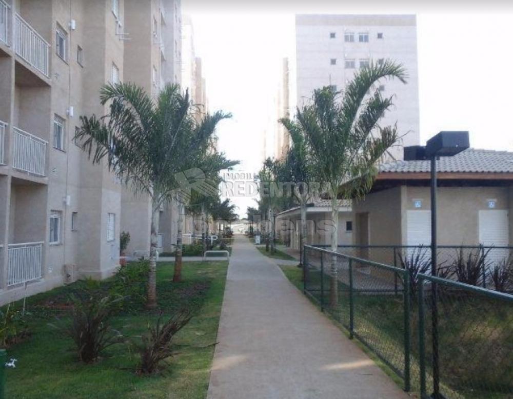 Comprar Apartamento / Padrão em São José do Rio Preto R$ 220.000,00 - Foto 3