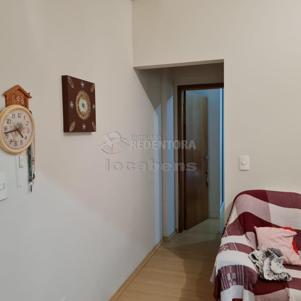 Comprar Apartamento / Padrão em São José do Rio Preto R$ 300.000,00 - Foto 5
