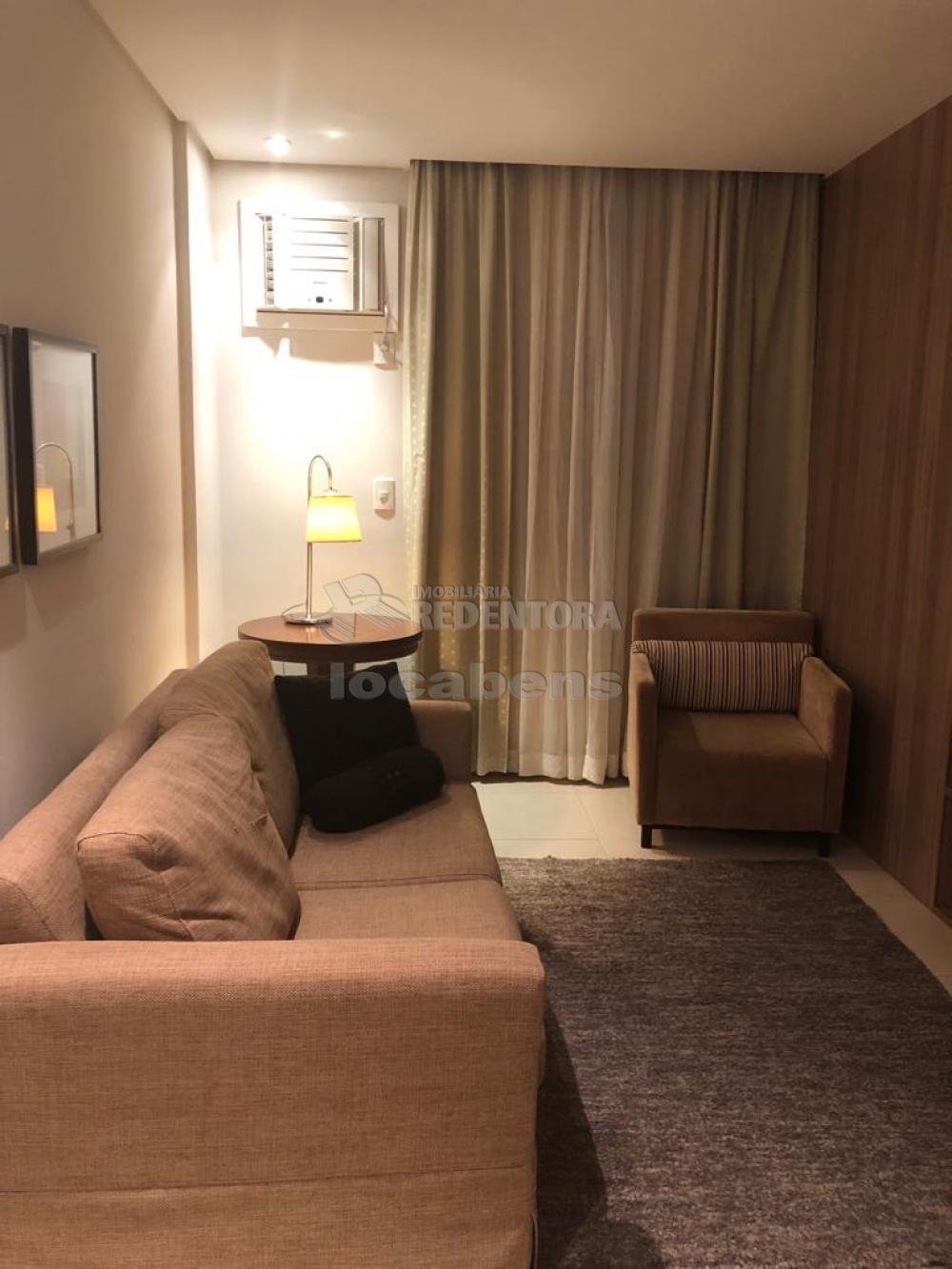 Comprar Apartamento / Flat em São José do Rio Preto R$ 300.000,00 - Foto 1