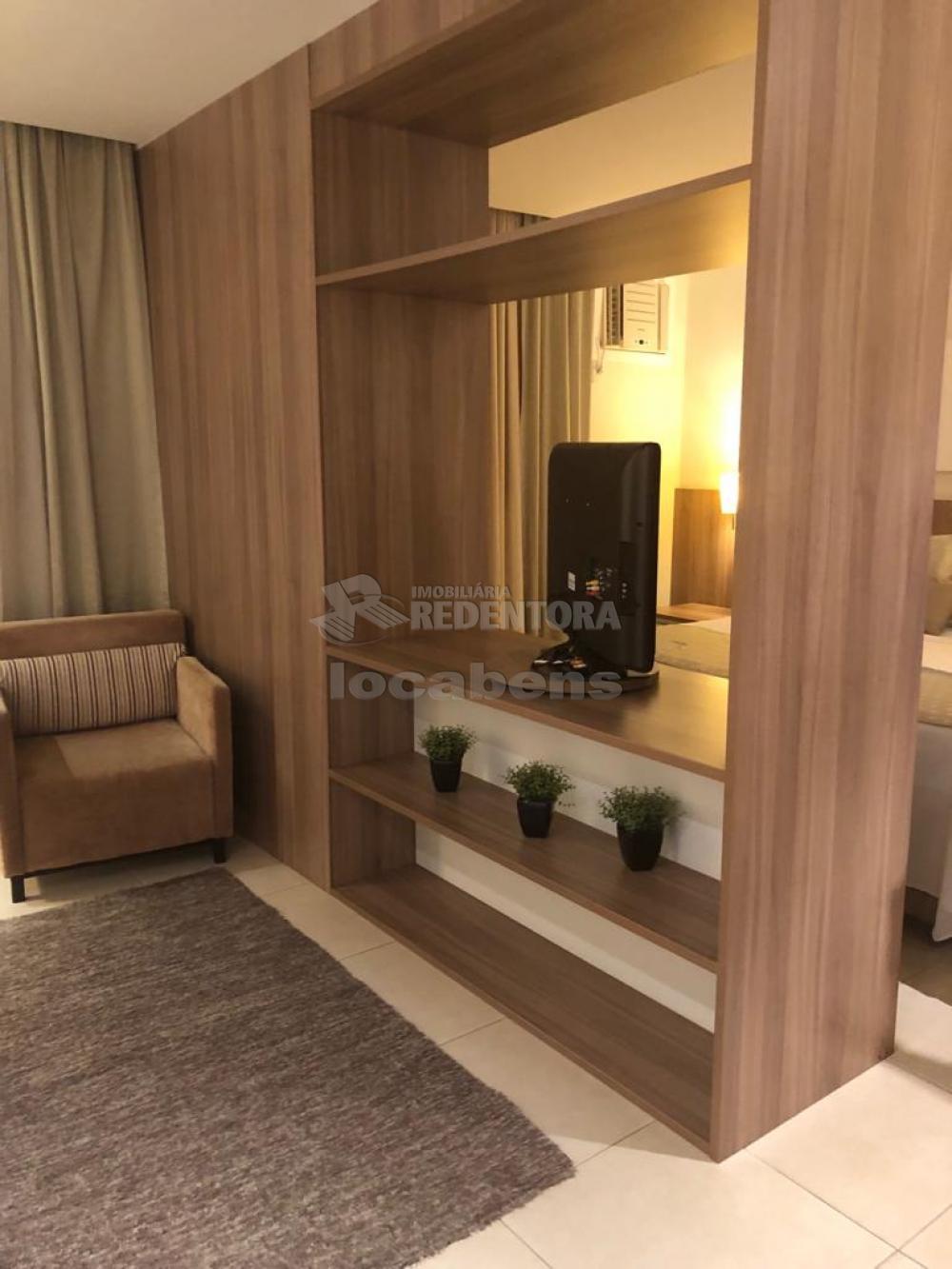 Comprar Apartamento / Flat em São José do Rio Preto R$ 300.000,00 - Foto 2
