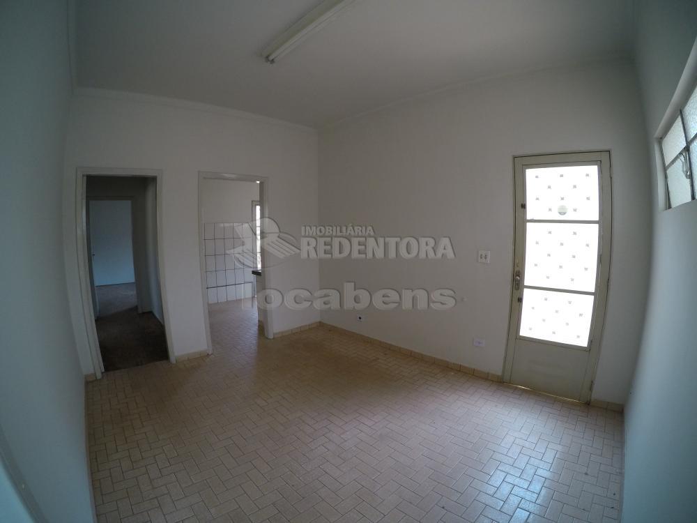 Alugar Casa / Padrão em São José do Rio Preto R$ 1.500,00 - Foto 8