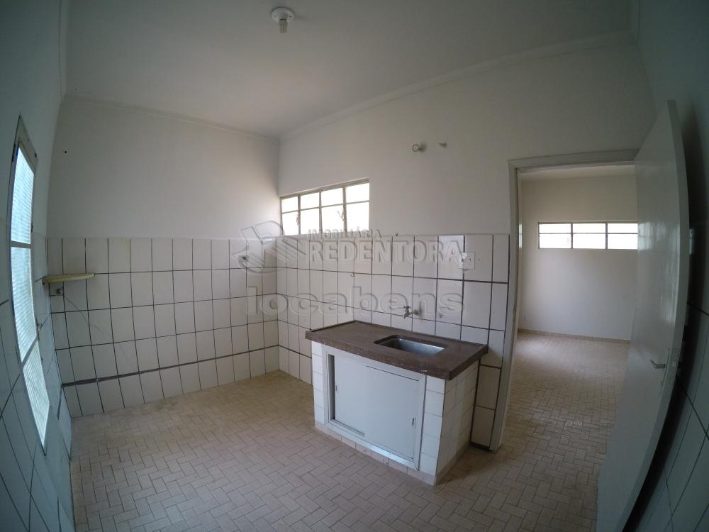 Alugar Casa / Padrão em São José do Rio Preto R$ 1.500,00 - Foto 16