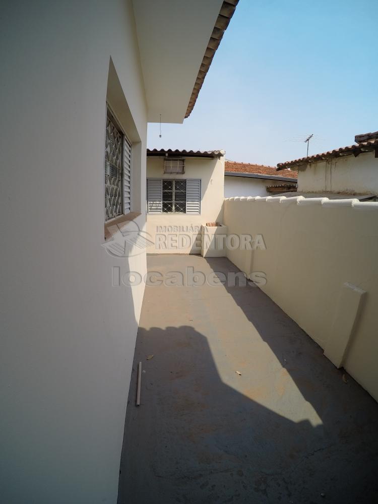 Alugar Casa / Padrão em São José do Rio Preto R$ 1.500,00 - Foto 18