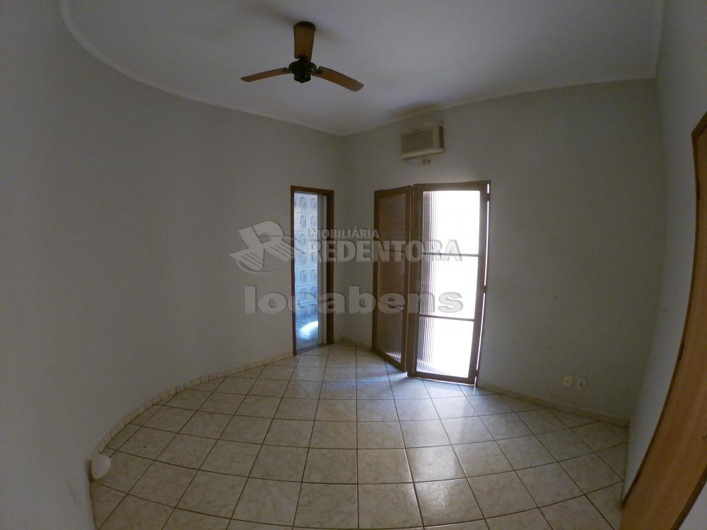 Alugar Casa / Padrão em São José do Rio Preto R$ 1.000,00 - Foto 8