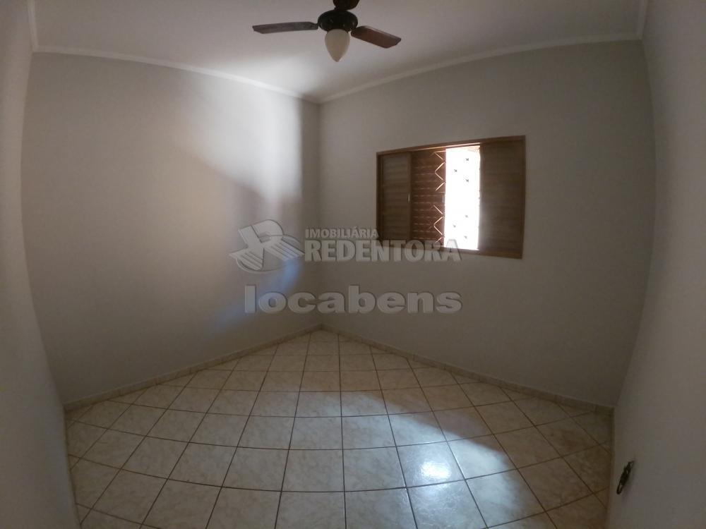 Alugar Casa / Padrão em São José do Rio Preto R$ 1.000,00 - Foto 14