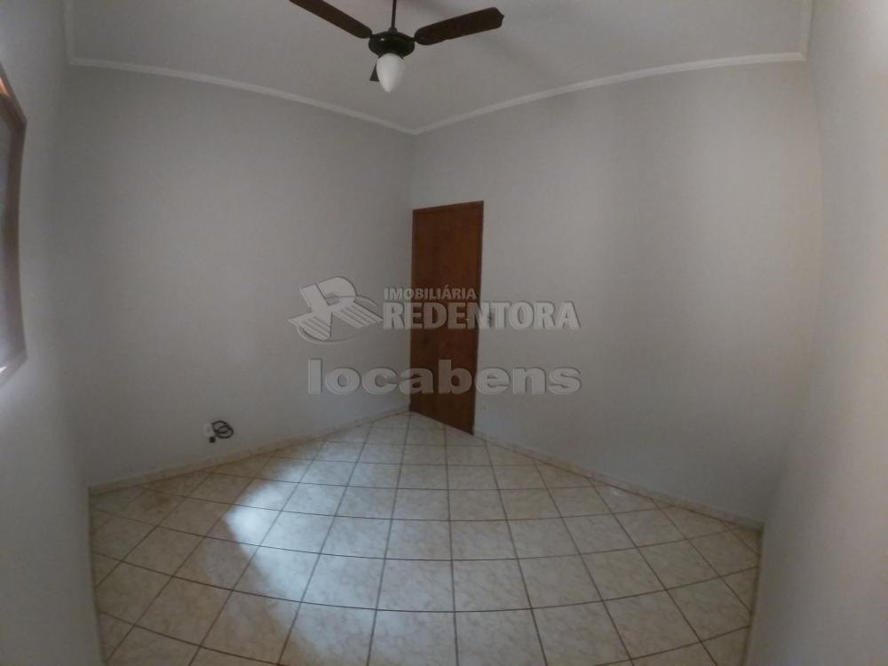 Alugar Casa / Padrão em São José do Rio Preto R$ 1.000,00 - Foto 15