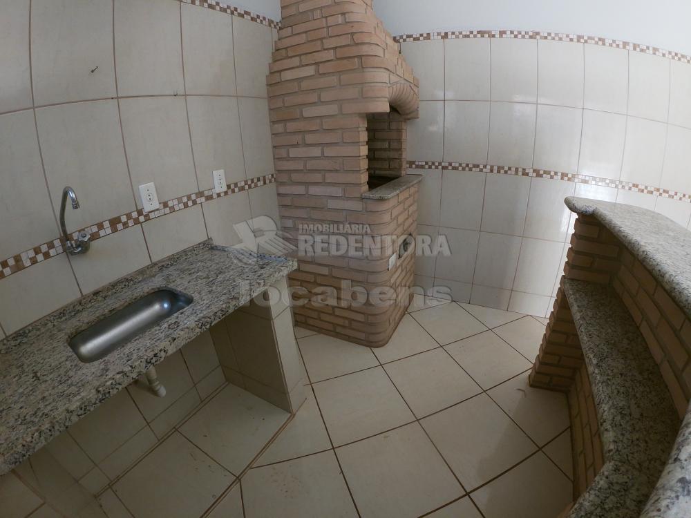 Alugar Casa / Padrão em São José do Rio Preto R$ 1.000,00 - Foto 23