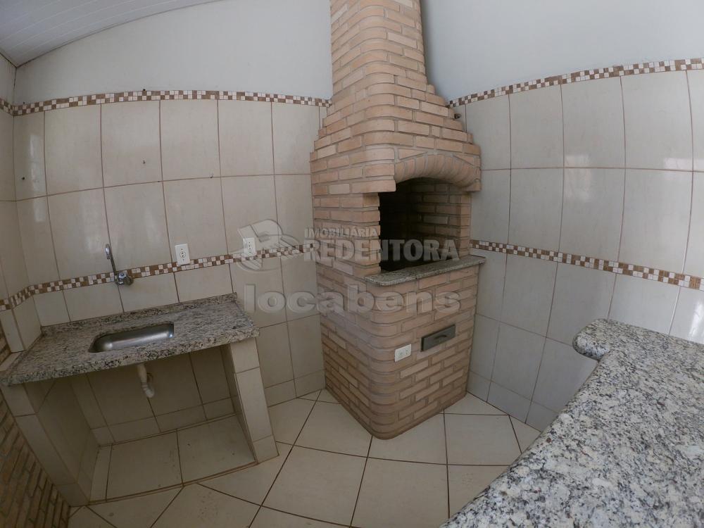 Alugar Casa / Padrão em São José do Rio Preto R$ 1.000,00 - Foto 24