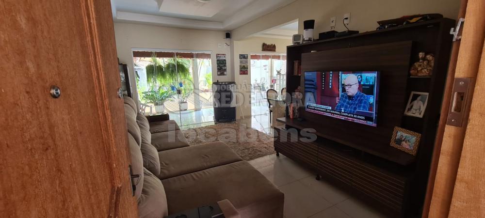 Alugar Casa / Padrão em São José do Rio Preto R$ 2.000,00 - Foto 2