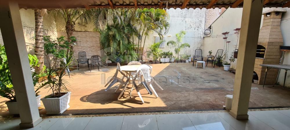 Alugar Casa / Padrão em São José do Rio Preto R$ 2.000,00 - Foto 9