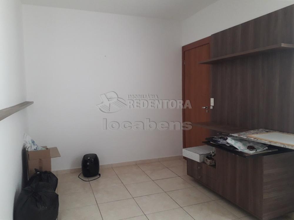 Alugar Apartamento / Padrão em São José do Rio Preto R$ 850,00 - Foto 2