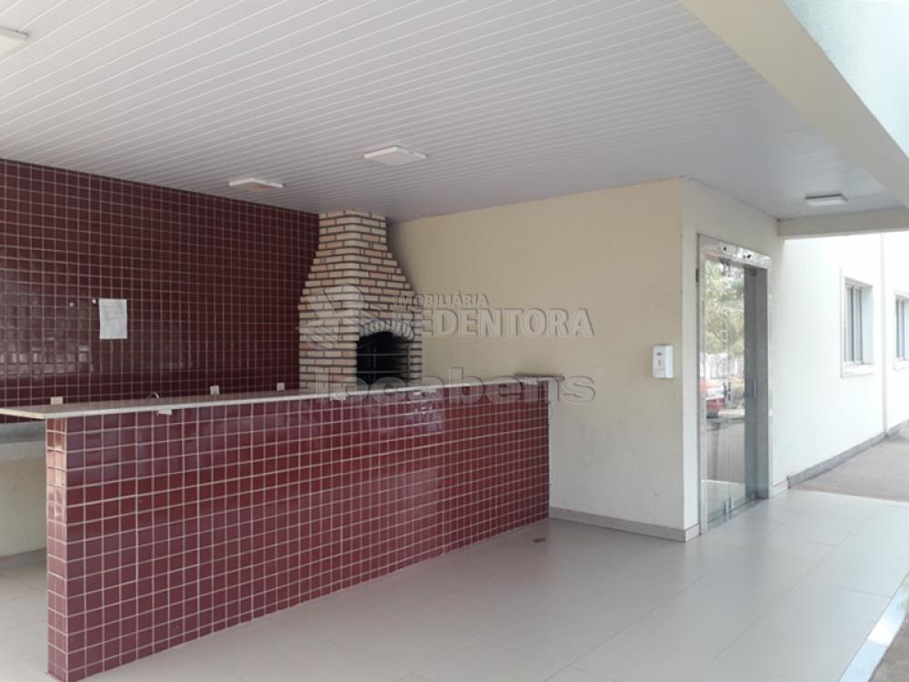 Alugar Apartamento / Padrão em São José do Rio Preto R$ 850,00 - Foto 13
