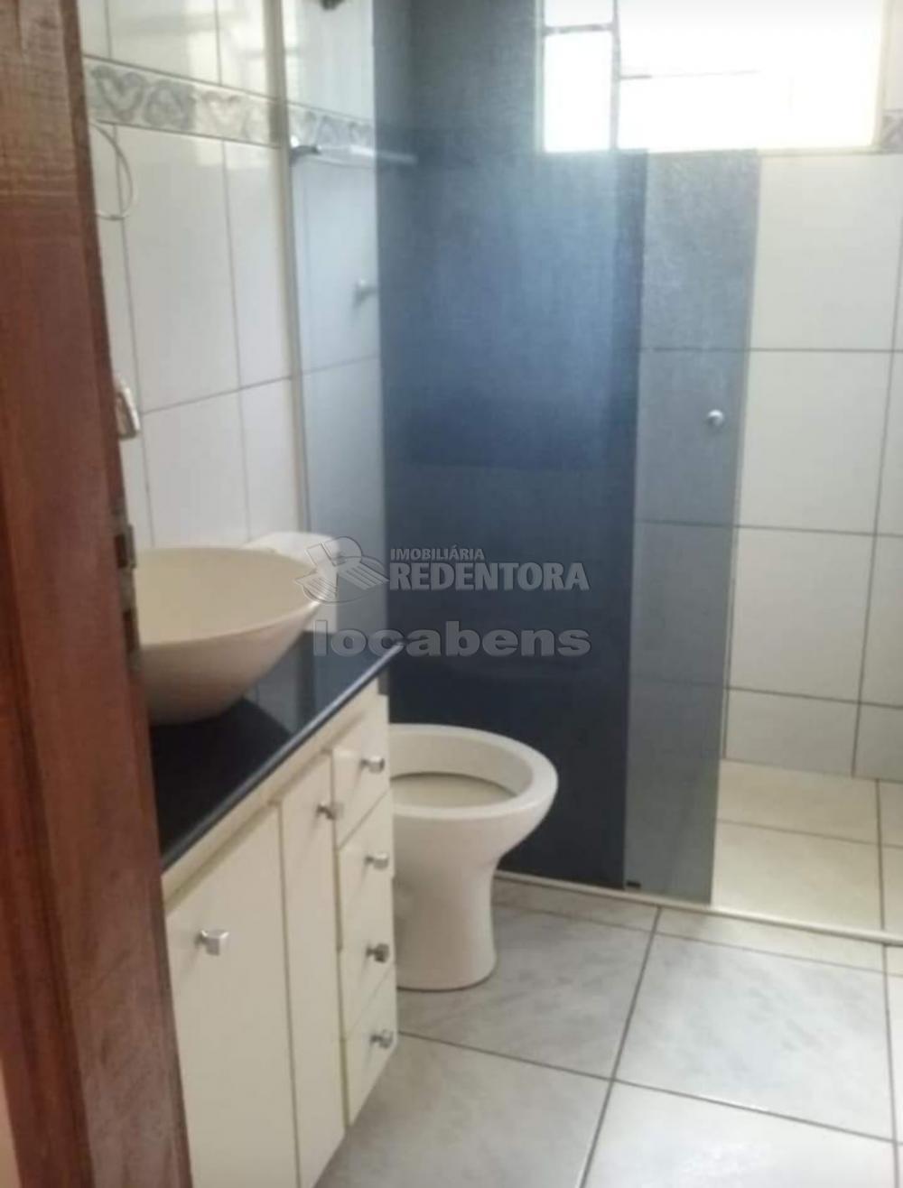 Alugar Casa / Padrão em São José do Rio Preto R$ 1.200,00 - Foto 7