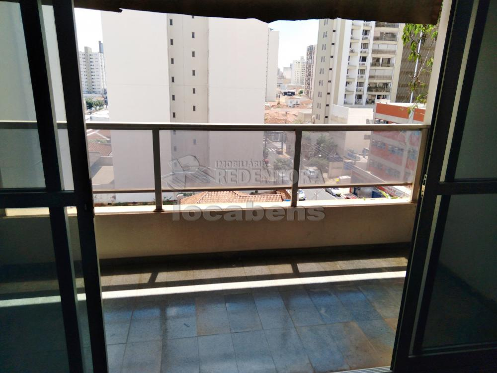 Alugar Apartamento / Padrão em São José do Rio Preto R$ 1.500,00 - Foto 2