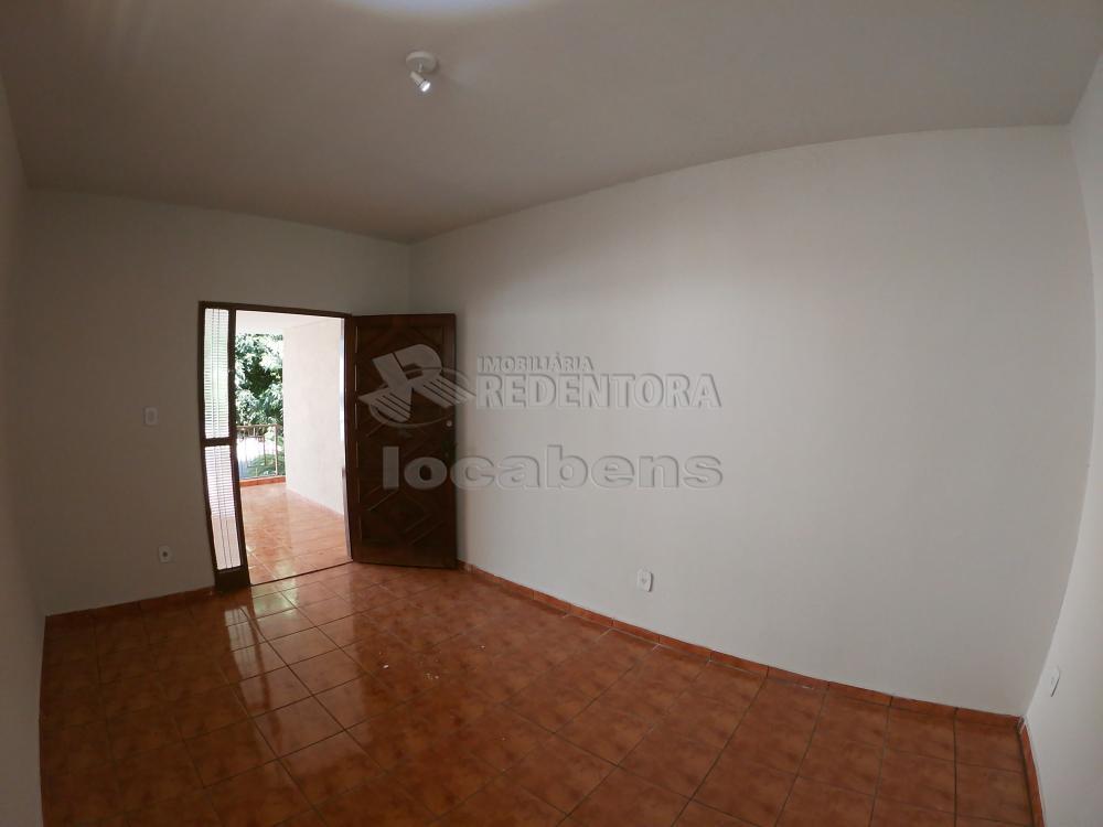 Alugar Casa / Padrão em São José do Rio Preto R$ 1.800,00 - Foto 3
