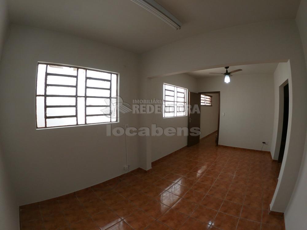 Alugar Casa / Padrão em São José do Rio Preto R$ 1.800,00 - Foto 6